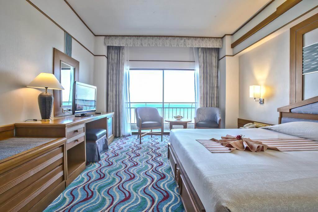 Номер в 4* отеле Asia Cha-am Hotel