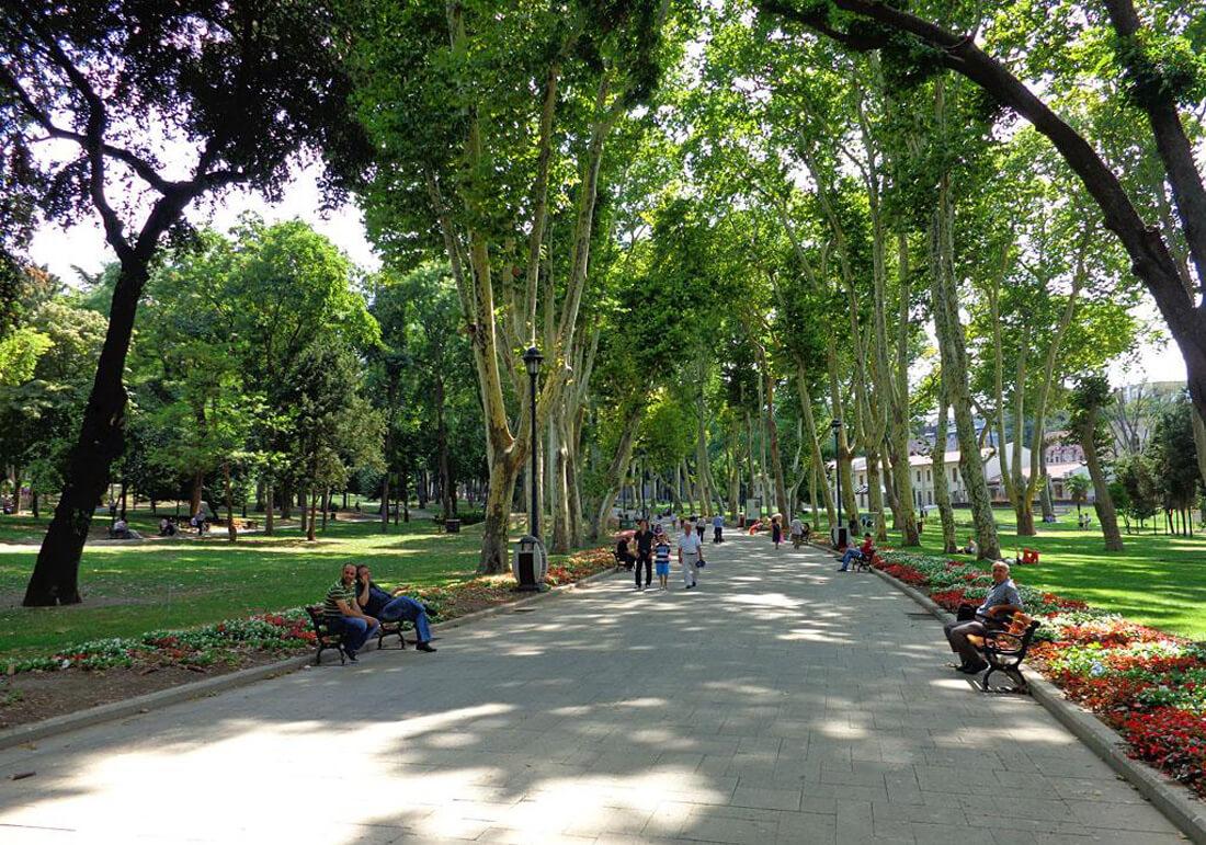 Сегодня так выглядит парк Гюльхане