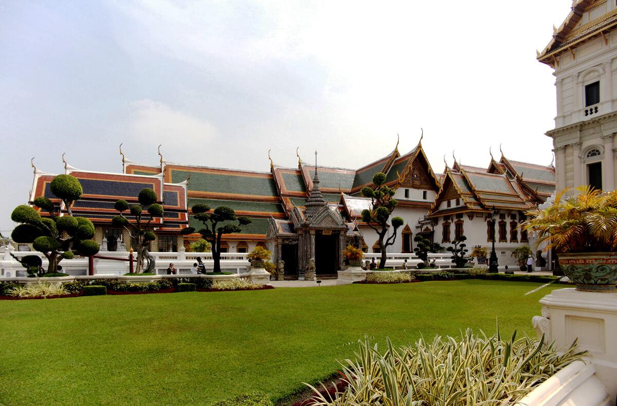 Группа зданий Phra Maha Montien