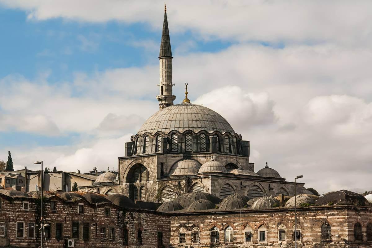 Мечеть Рустема-паши снаружи
