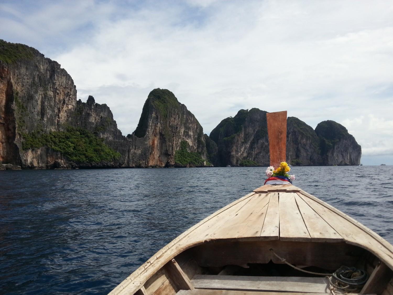 На лодке на остров Пи-Пи Лей