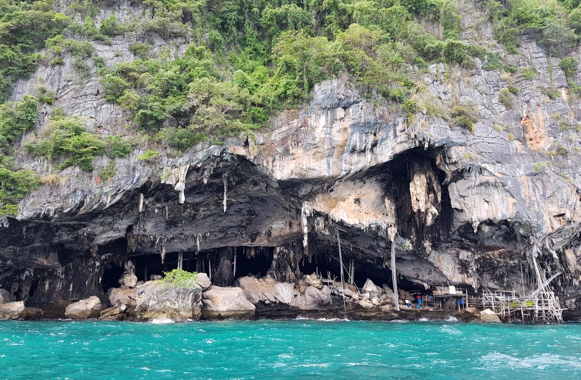 Пещера викингов на острове Пхи-Пхи-Лей
