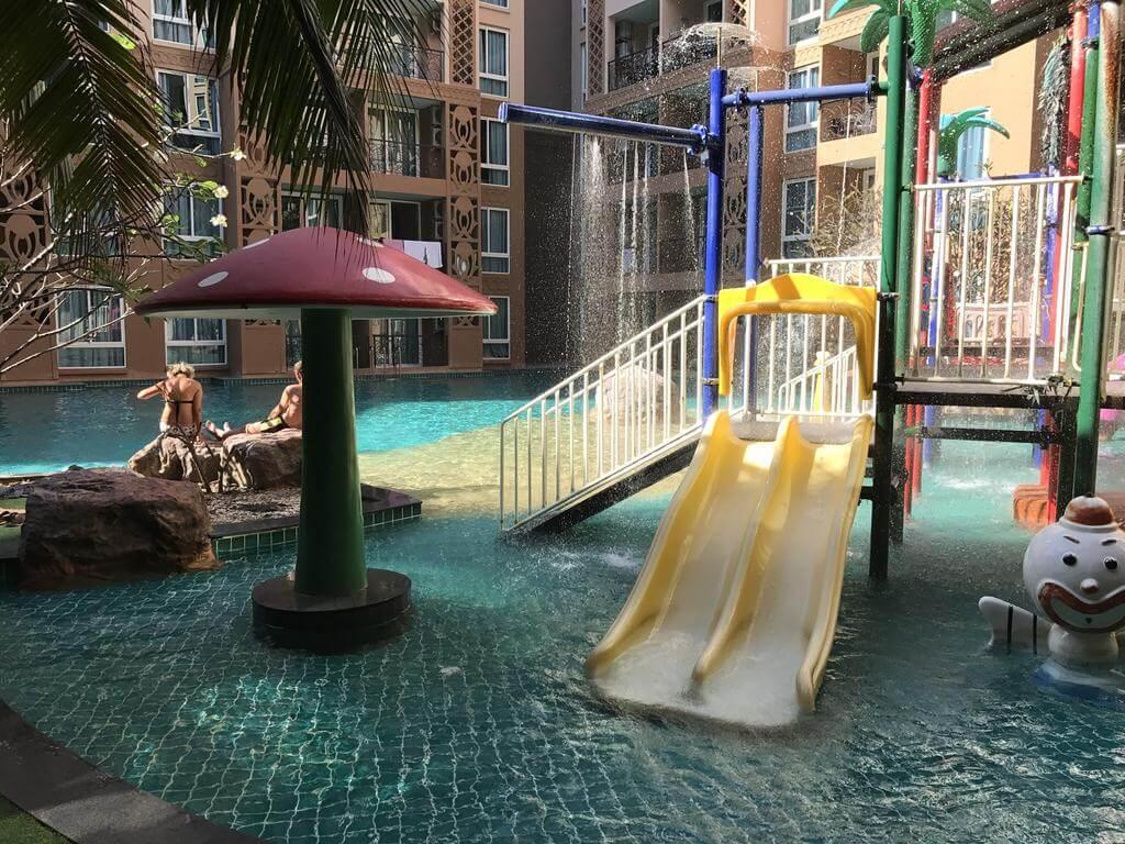 Отличный бассейн для детей