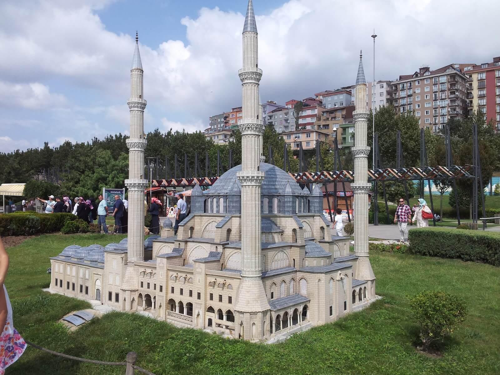 Макет мечети Селимие