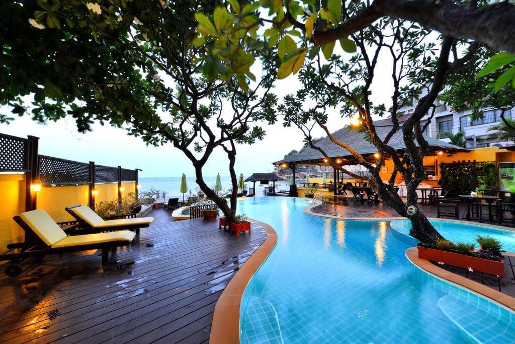 Отель 4* Supatra Hua Hin Resort