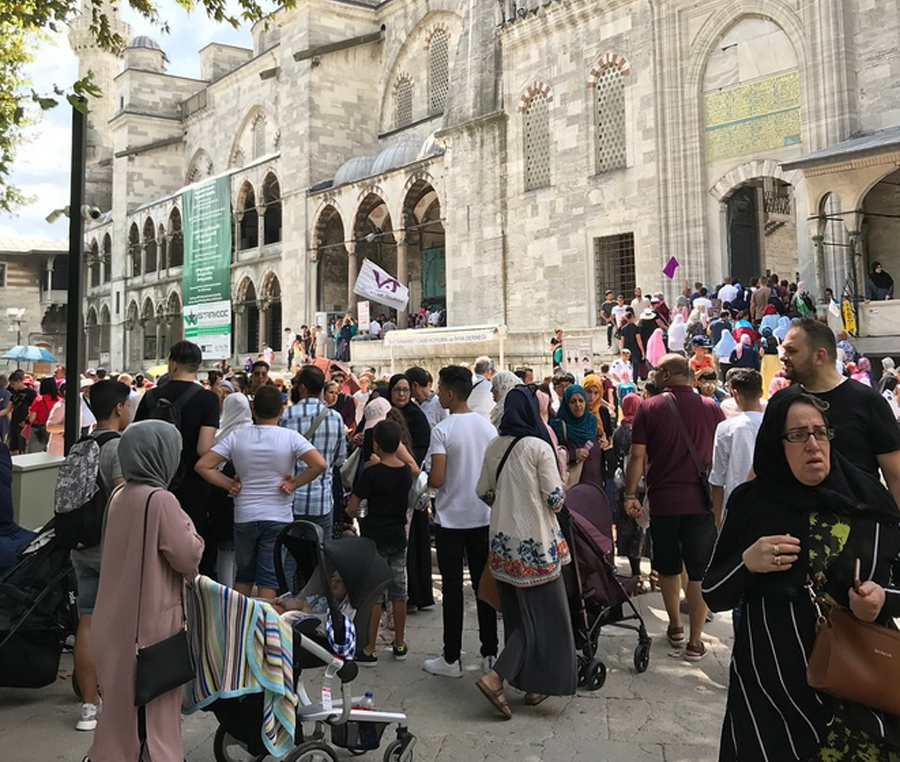 Очередь в Голубую мечеть
