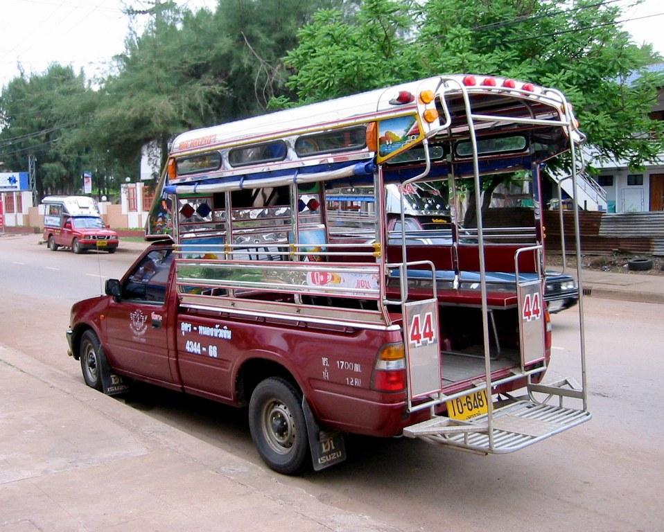 Сонгтео – транспорт, напоминающий пикап