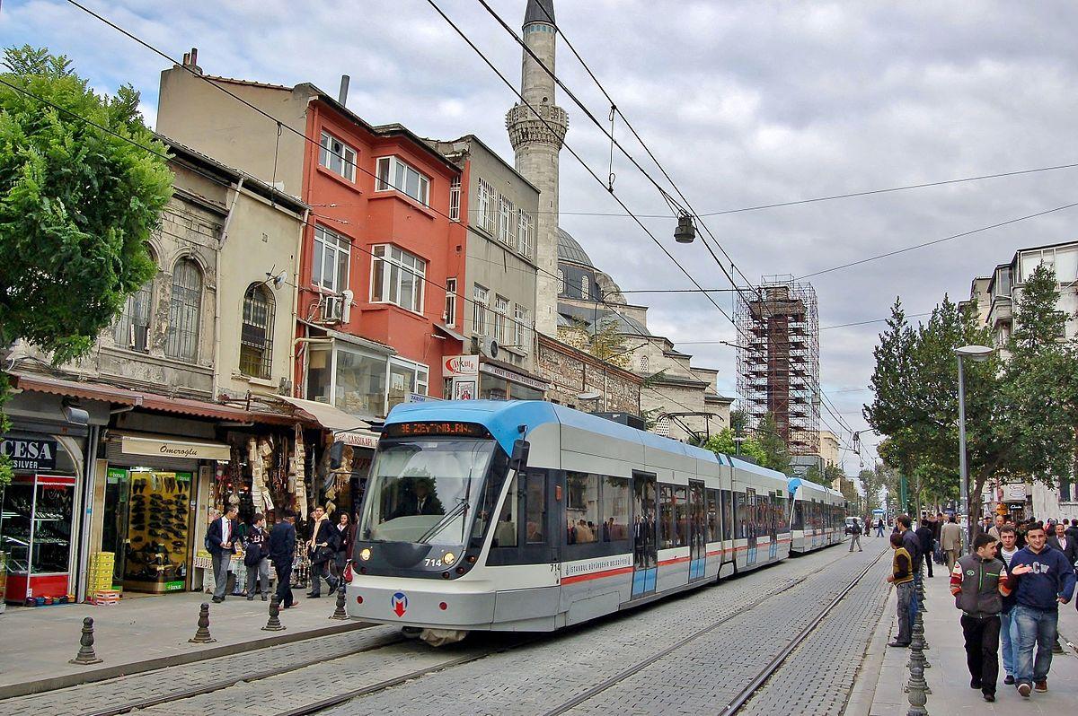 На трамвае линии Т1 Kabataş – Bağcılar