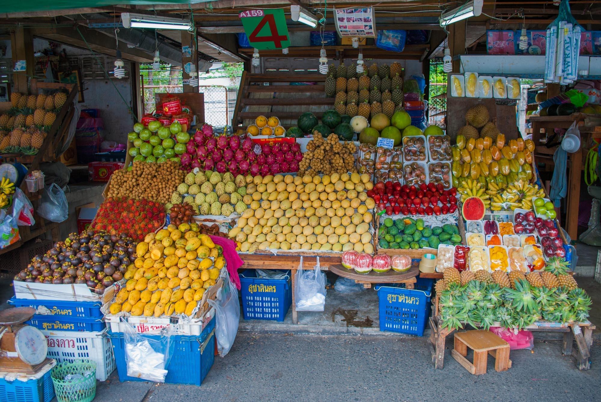 Фруктовый рынок возле Mike Shopping Mall в Паттайе