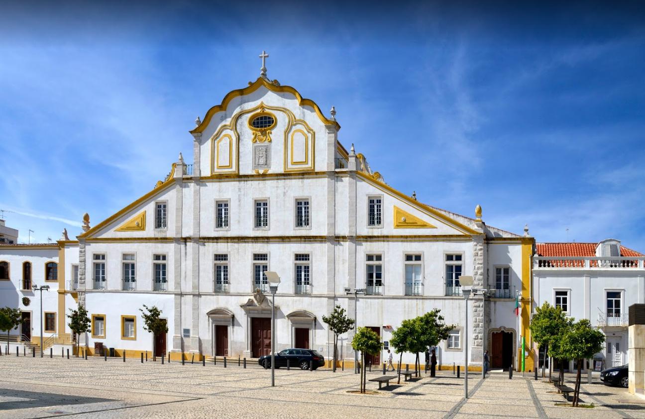 Церковь Колледжа иезуитоа в центре Портимау