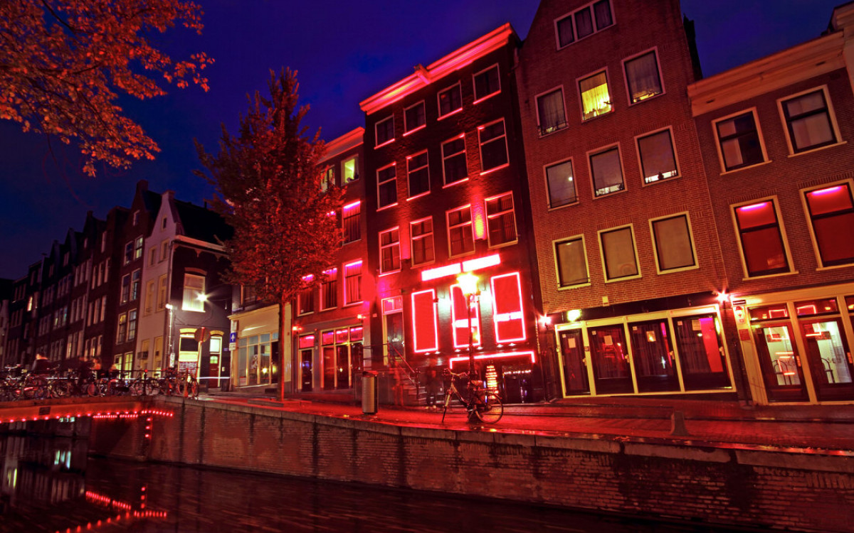 Экскурсия улицей Красных фонарей