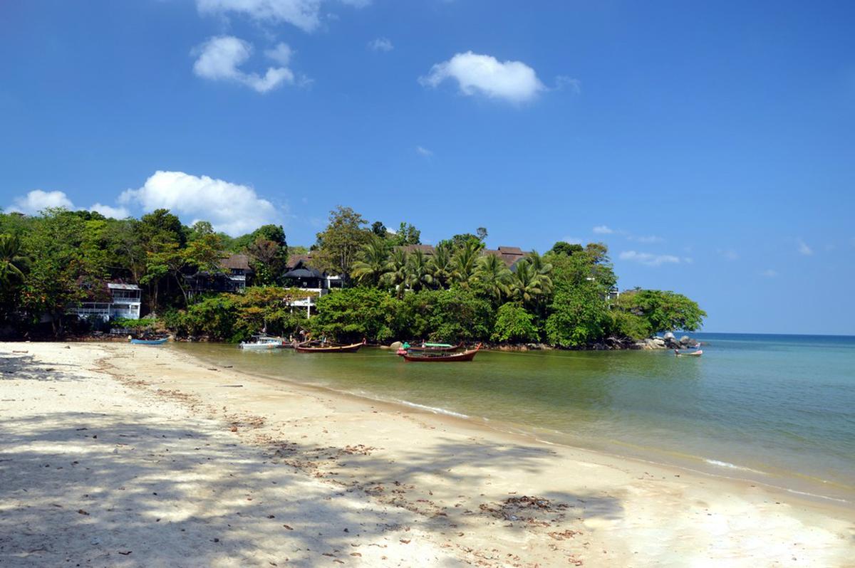 Южная часть пляжа Камала