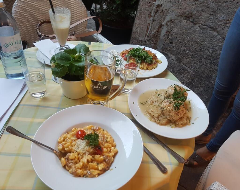 В ресторане Altstadtbeisl