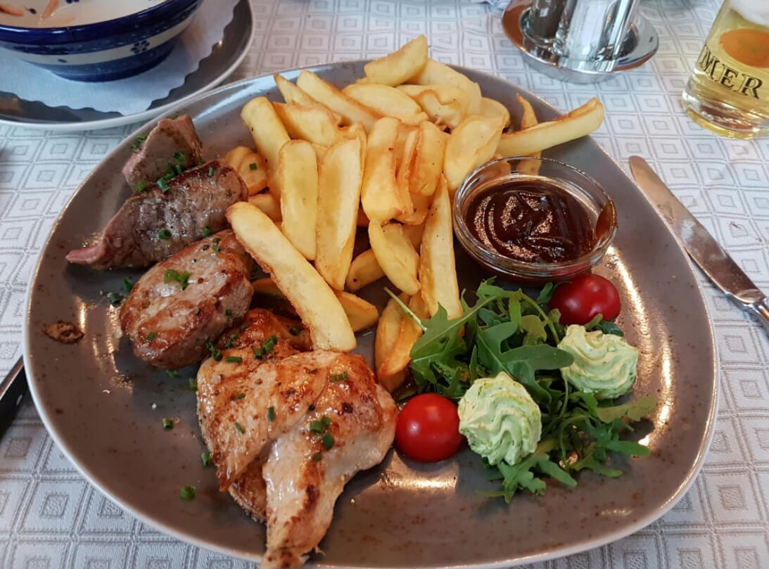 В кафе Bära-Falla