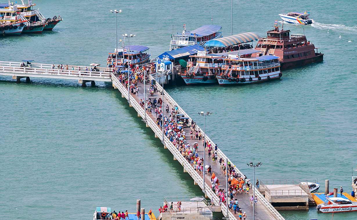 Пирс Бали Хай - место отправления паромов к острову Ко Лан