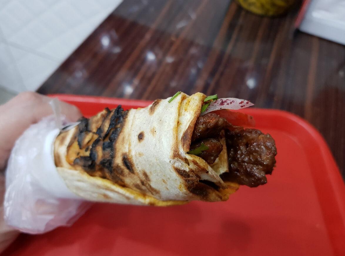 Лаваш с мясом из фаст-фуда Durumzade
