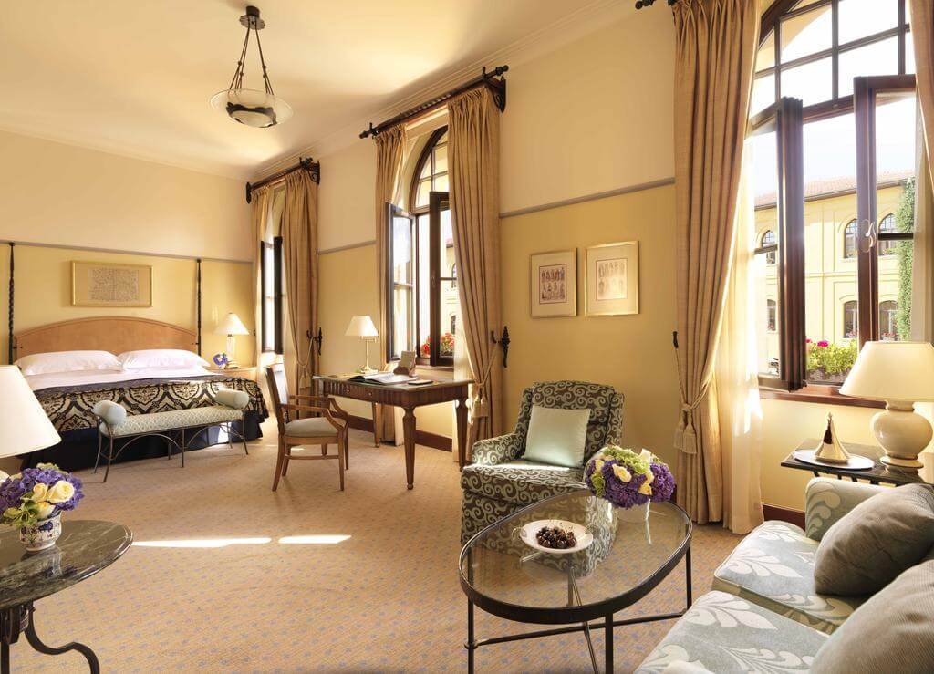 Номер в отеле Four Seasons Hotel Istanbul at Sultanahmet