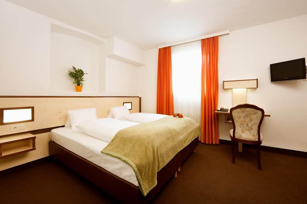 Номер в отеле Hotel Goldene Krone Innsbruck