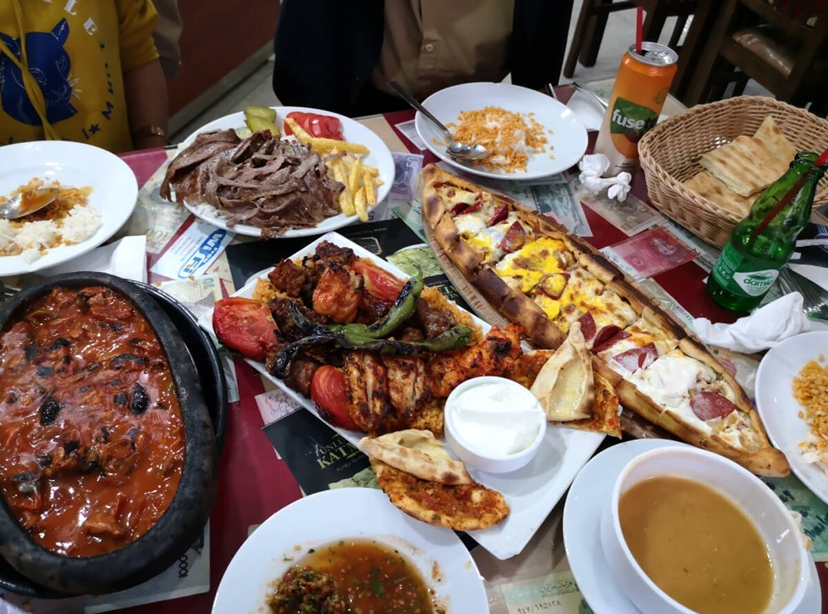 Ужин в ресторане Ortaklar Kebap Lahmacun