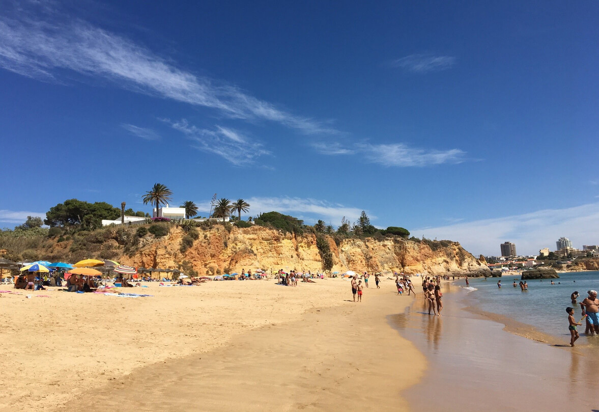 Пляж Praia do Barranco das Canas