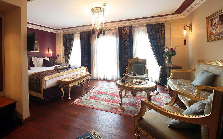 Номер в отеле Rose Garden Suites