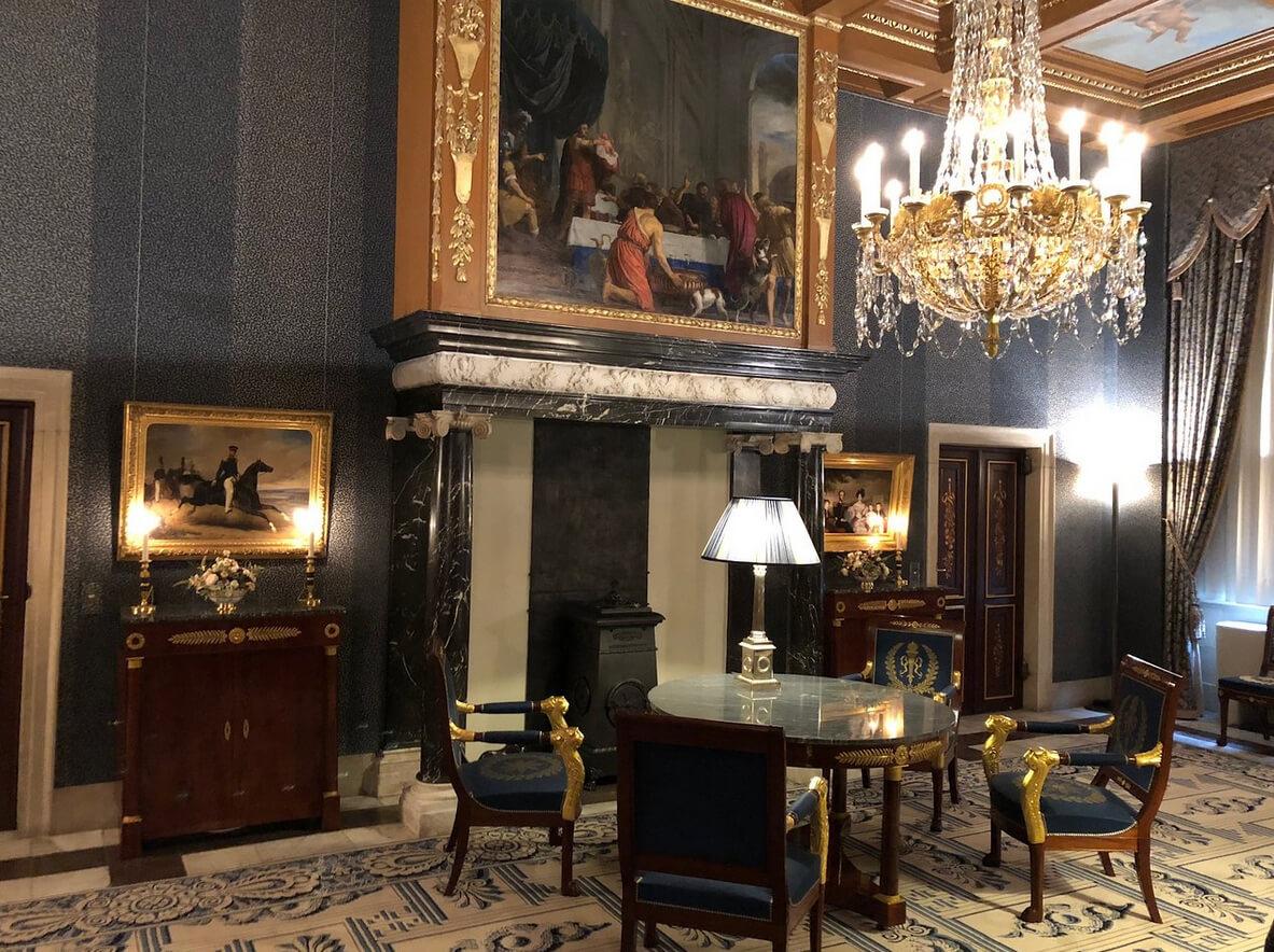 В Королевском дворце Амстердама