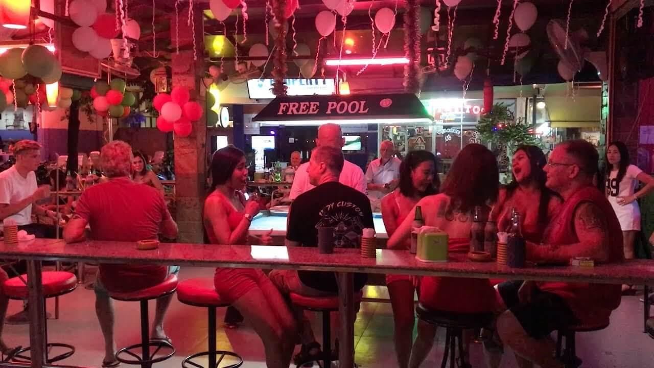 Отдых в баре