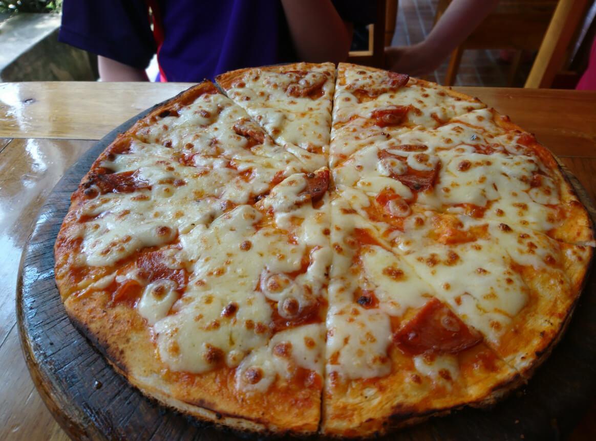 Пицца за 200 бат