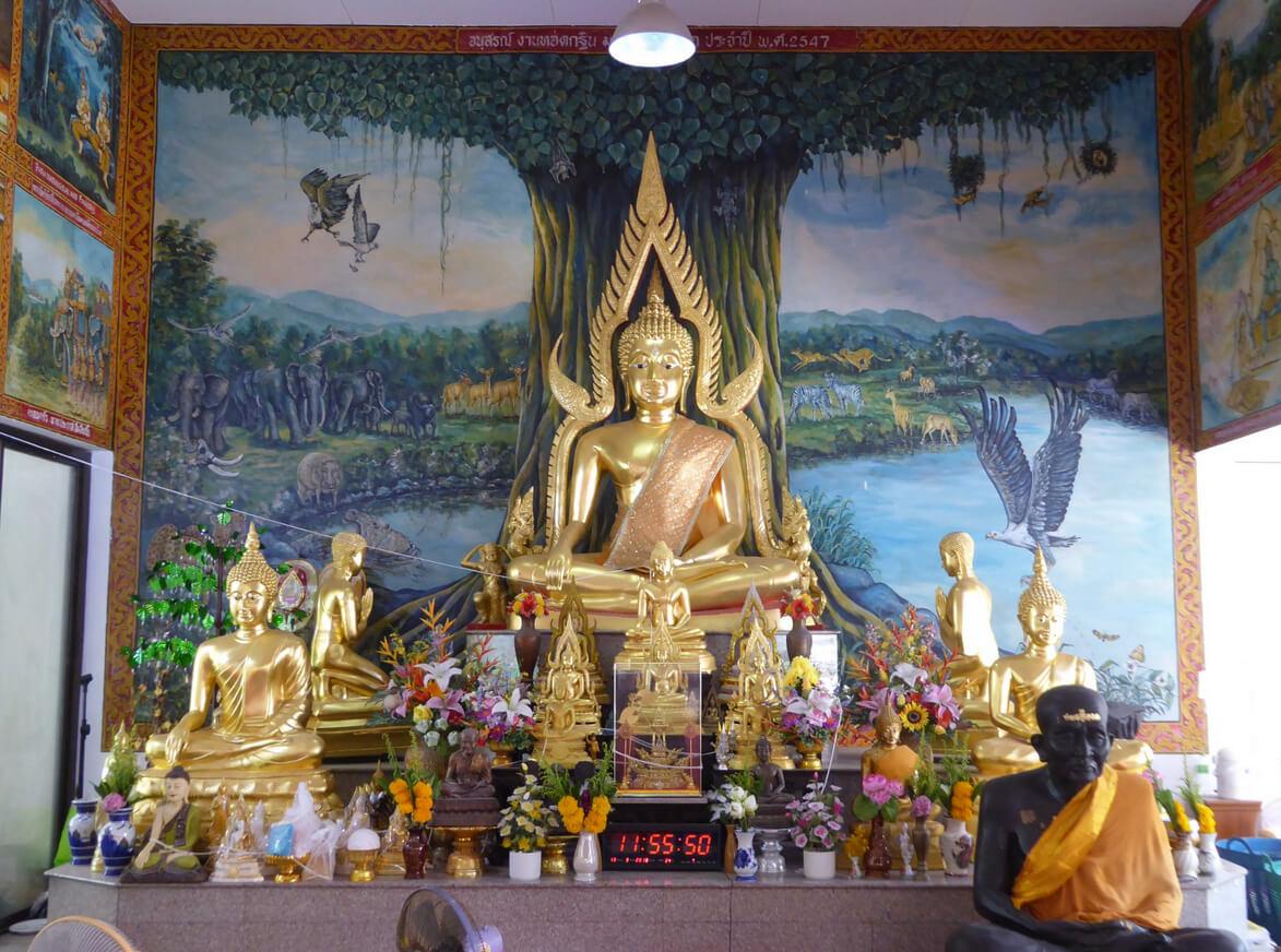 Храм Wat Baan Kamala