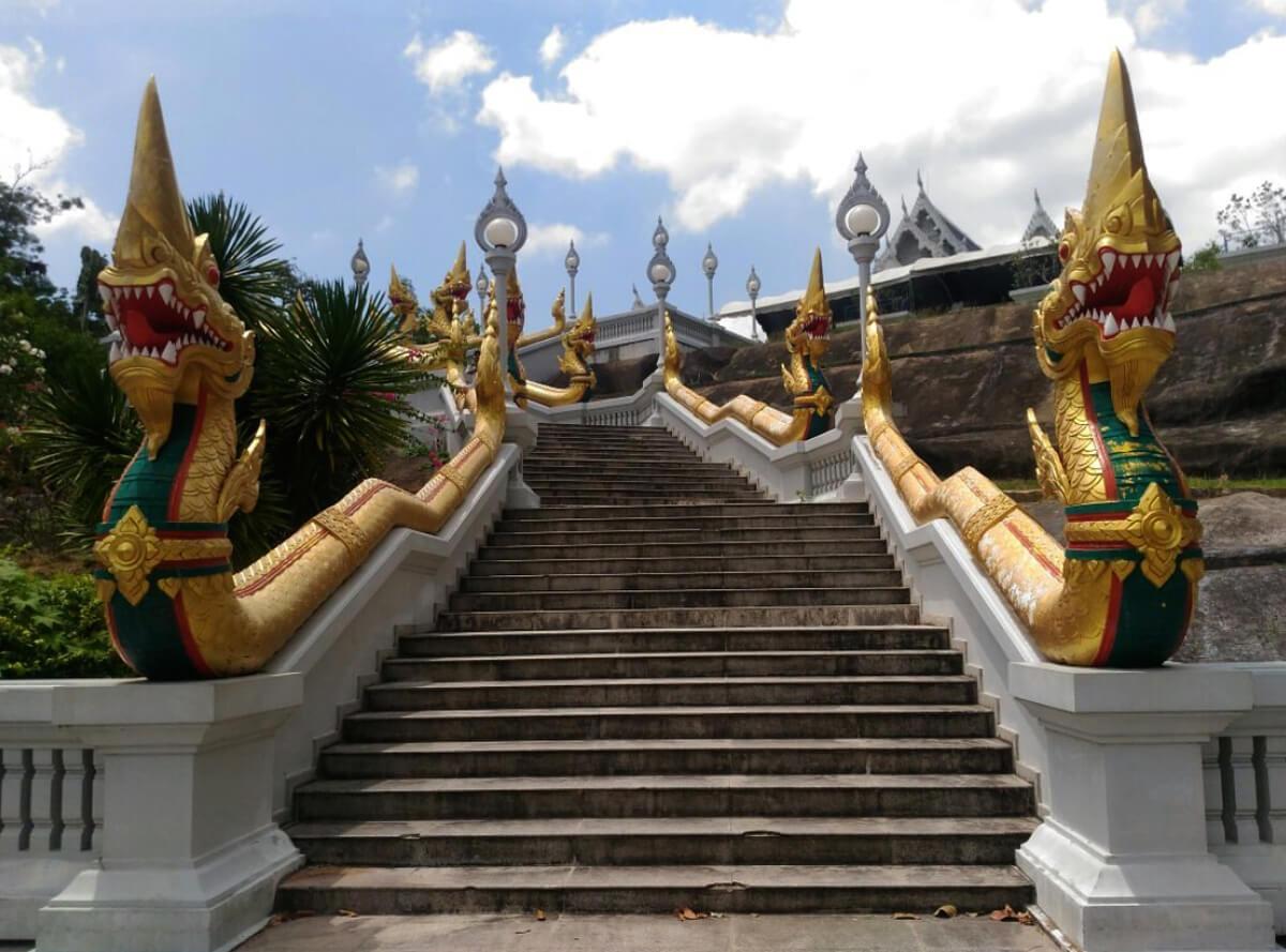 Лестница к Белому храму