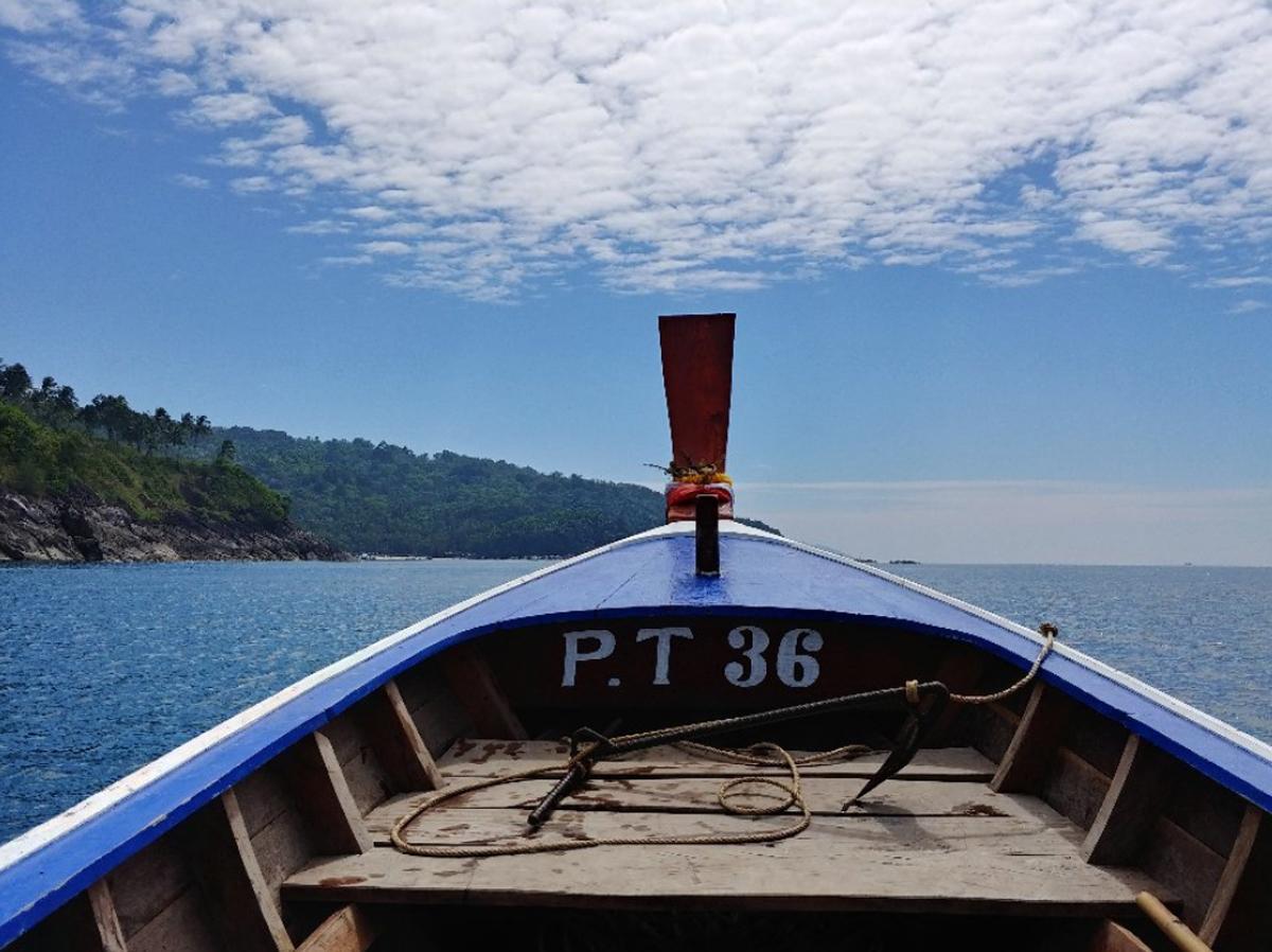 На лодке на Фридом Бич