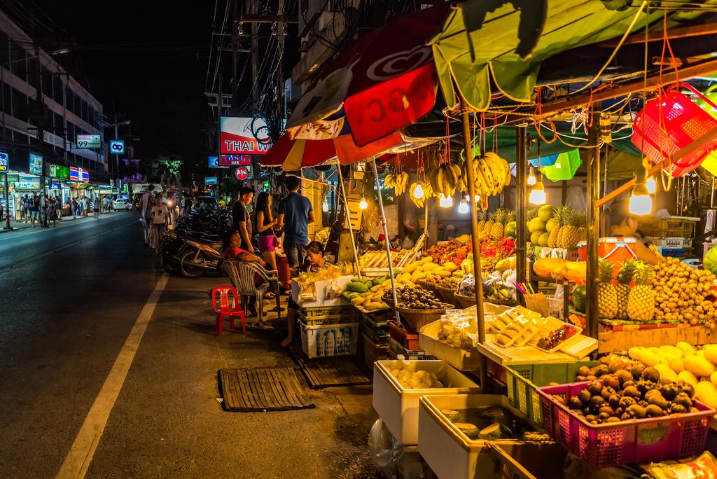 Ночной рынок TaladNat
