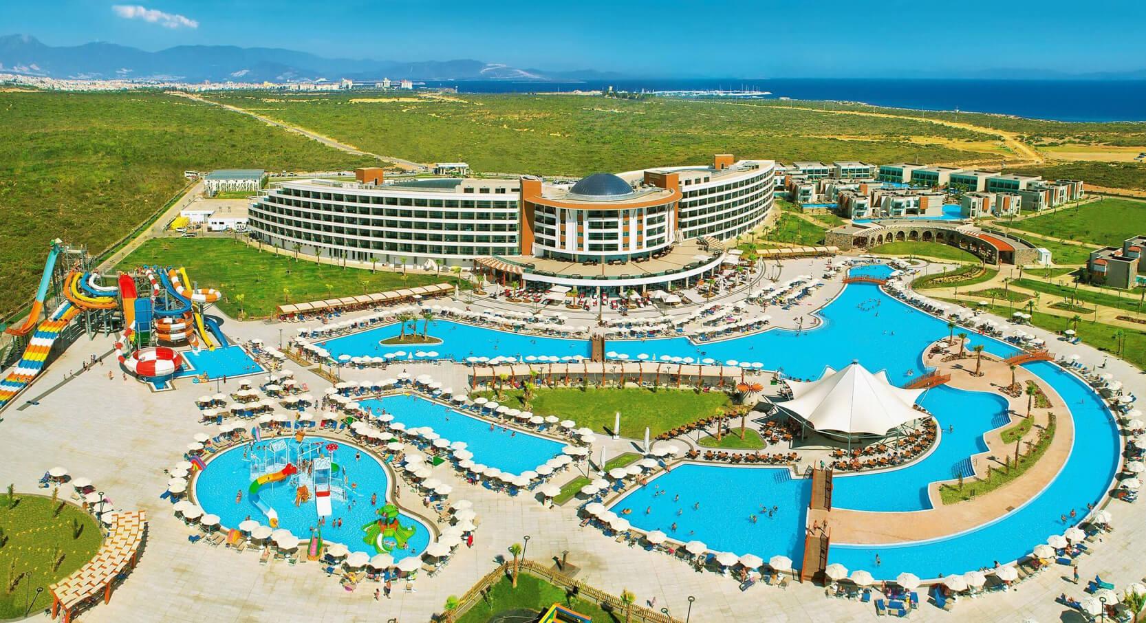 5* отель Aquasis De Luxe Resort & SPA