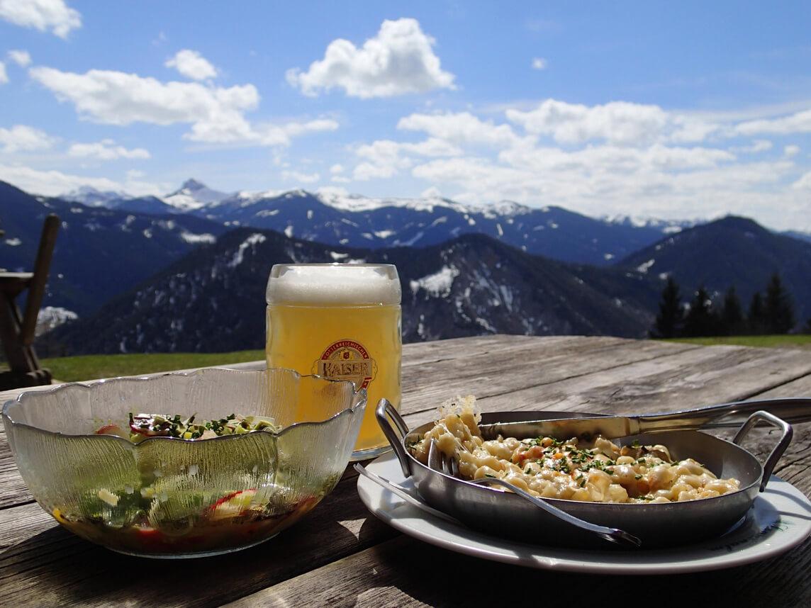В ресторане Ausflugsziel Sonnenalm
