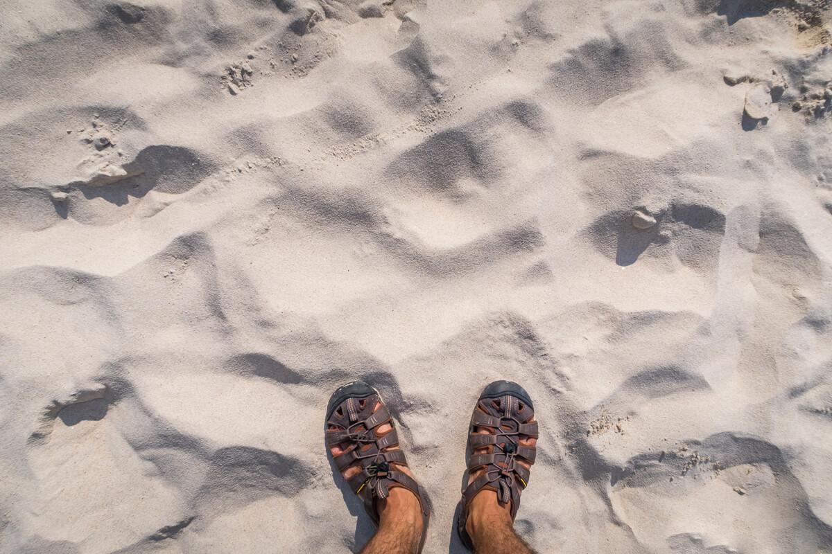 Песок на Фридом Бич