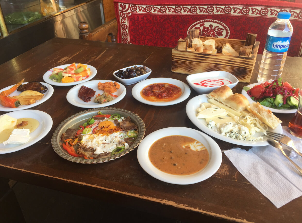 Завтрак в Хасан Паса Хани