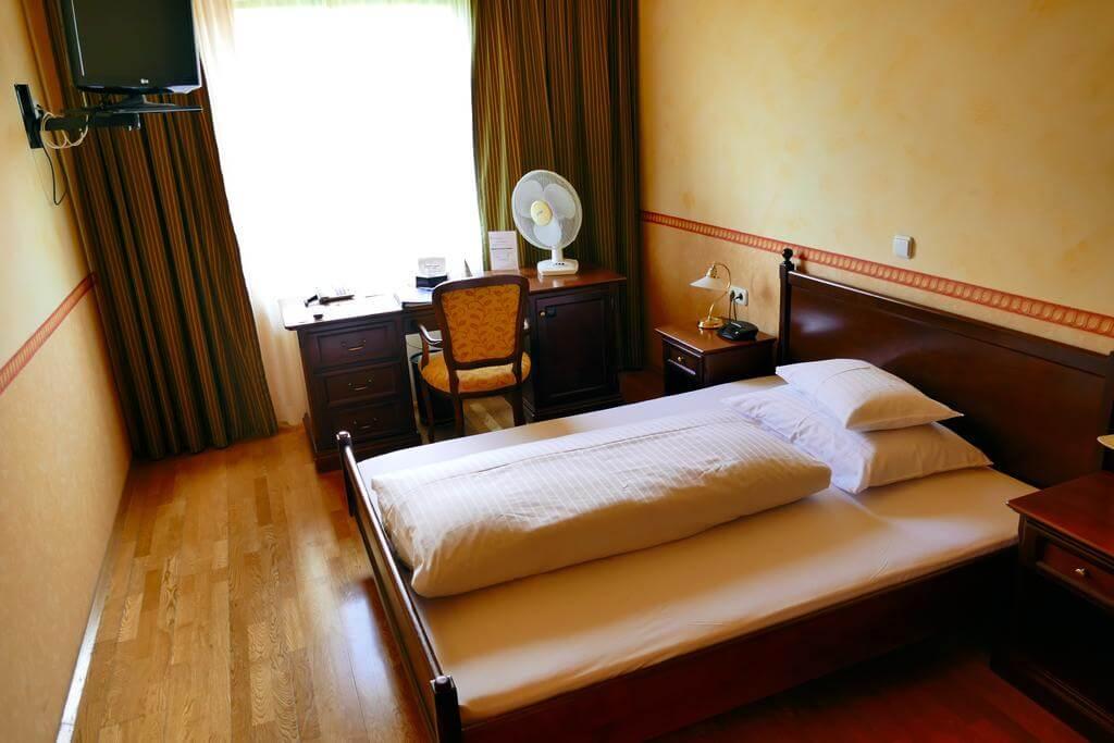 Отель Hotel Pfeifer zum Kirchenwirt в районе Mariatrost