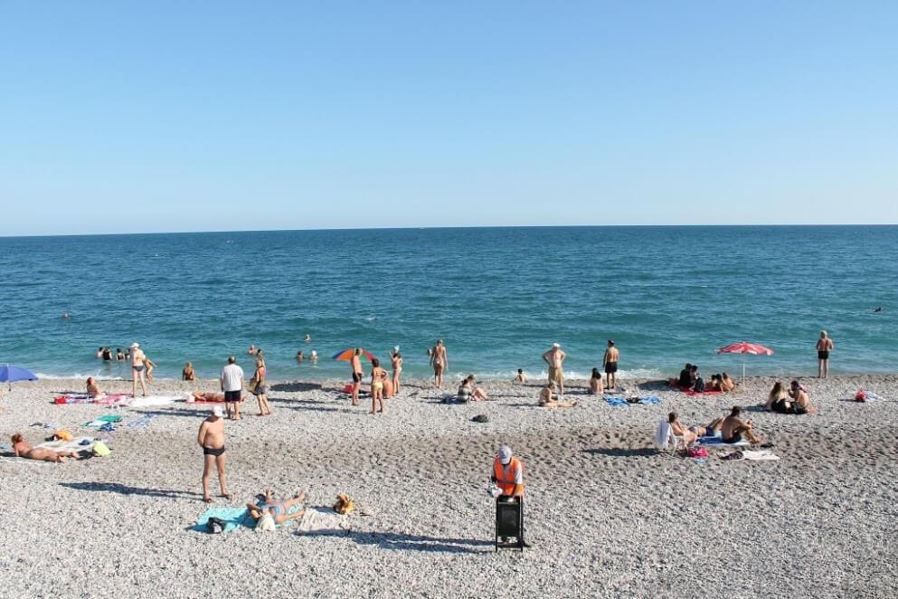 Отдых на пляже Коньялты