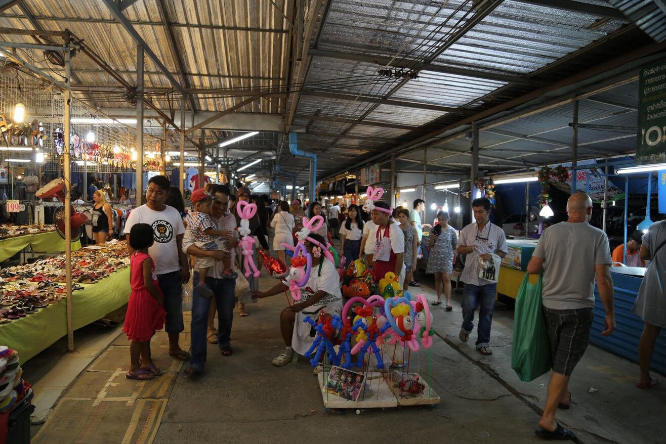 Ночной рынок в Пхукет Тауне