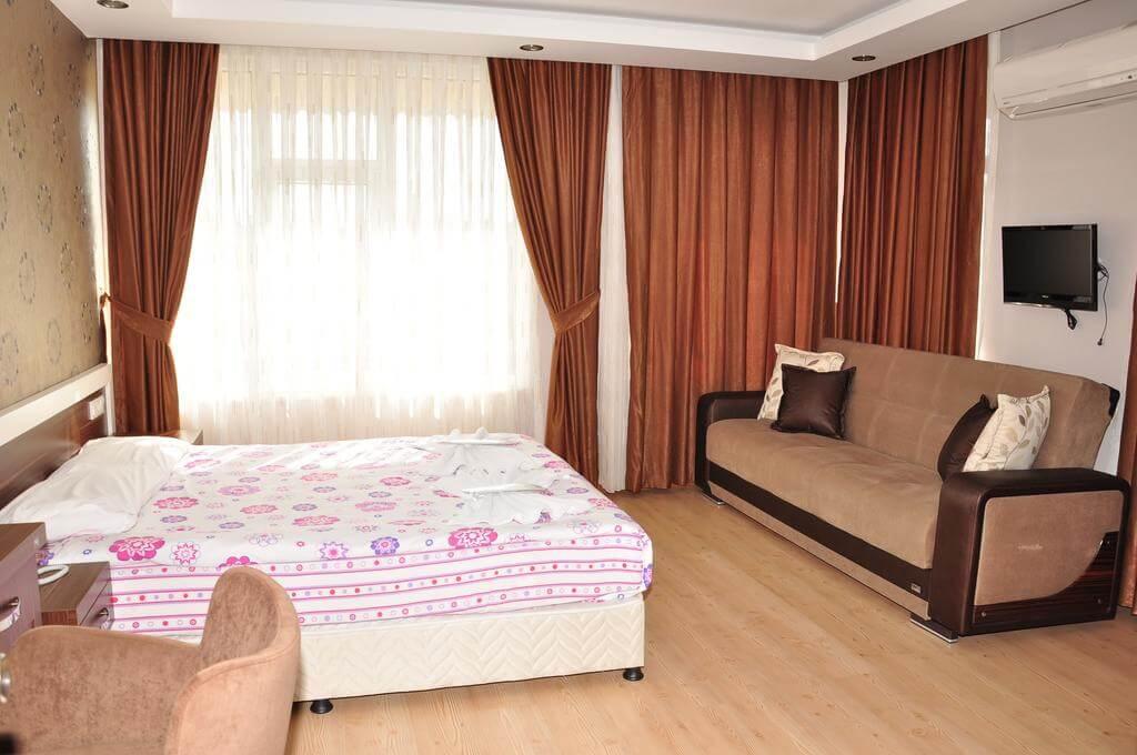 Отель River Hotel