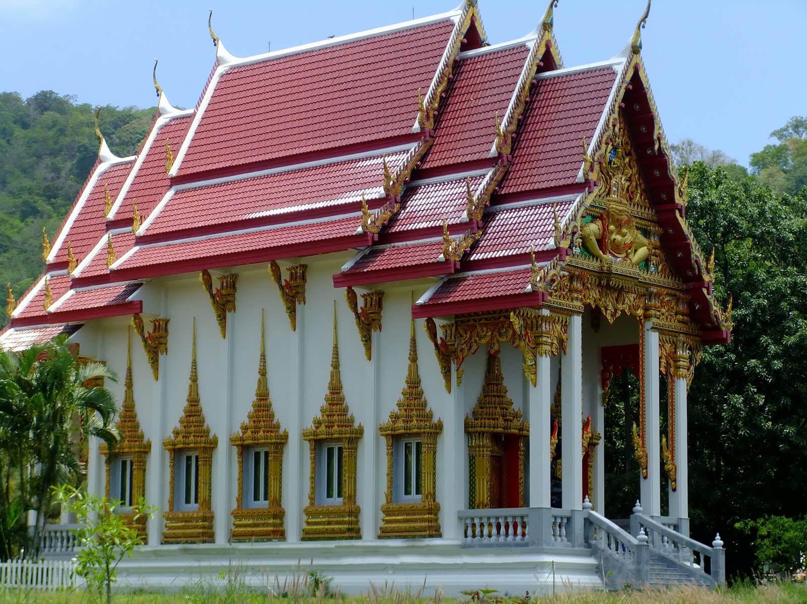 Храм Найхарн