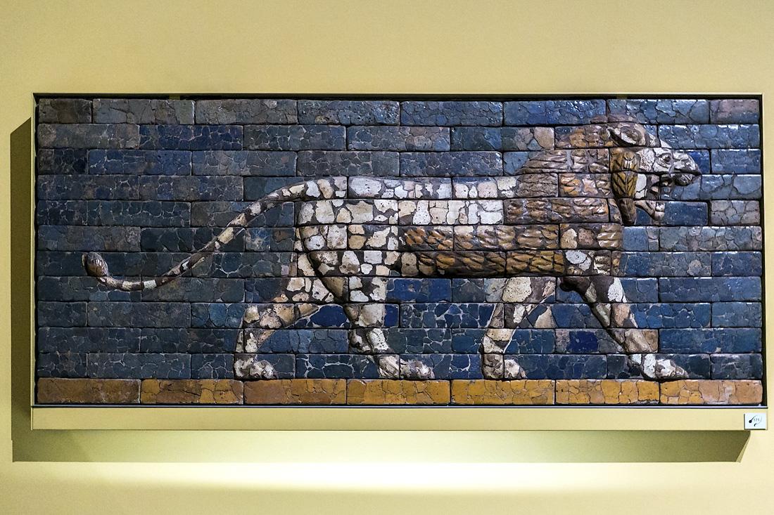 Лев с ворот Иштар в Вавилоне
