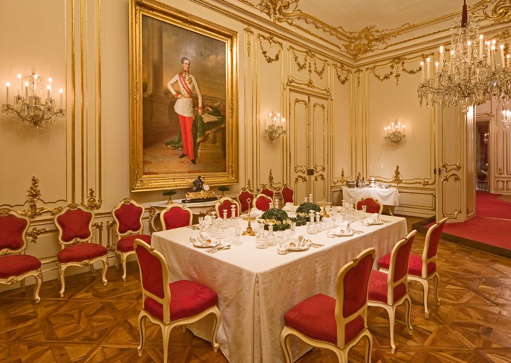 В комнате Марии Антуанетты