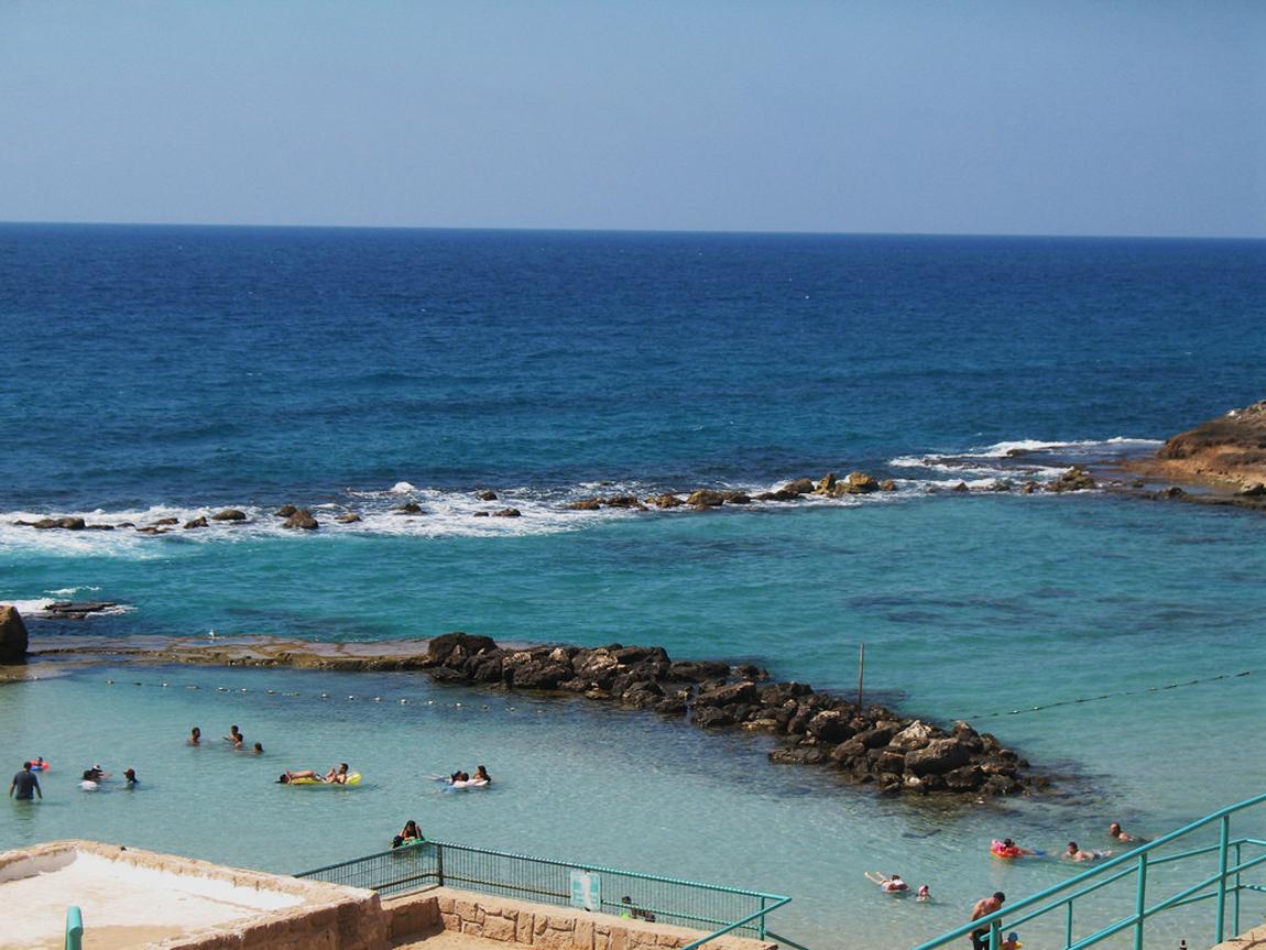Пляж Ахзив в Нагарии