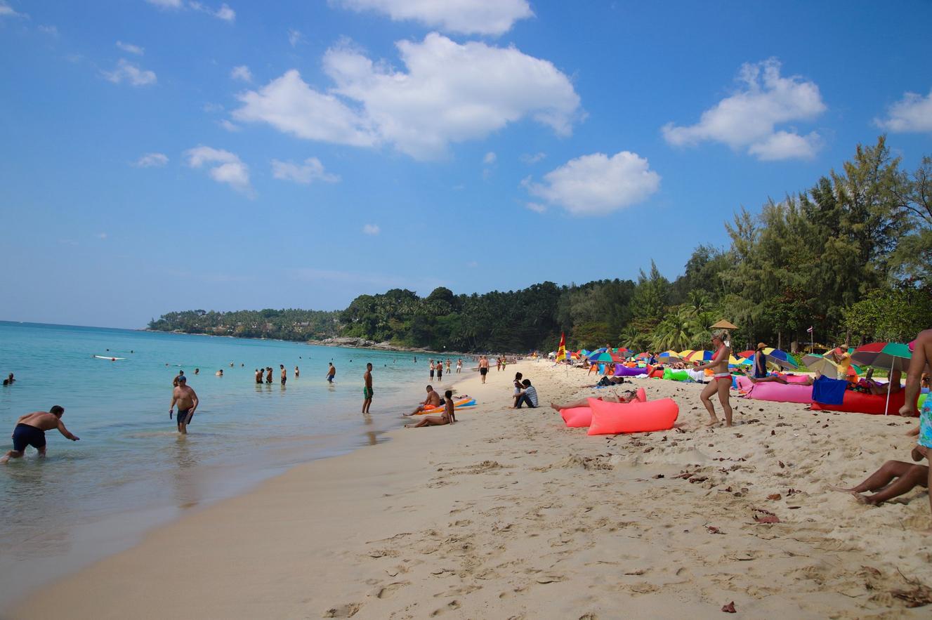 Пляж Сурин