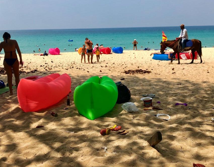 Не убрано на пляже