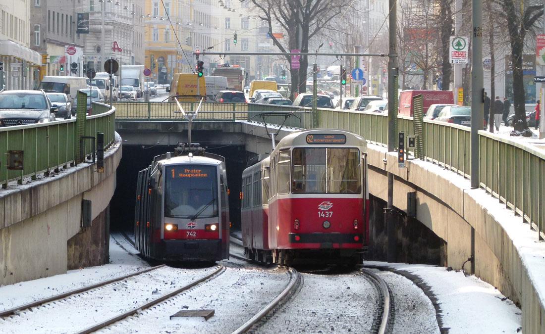 На трамвае в Хофбург