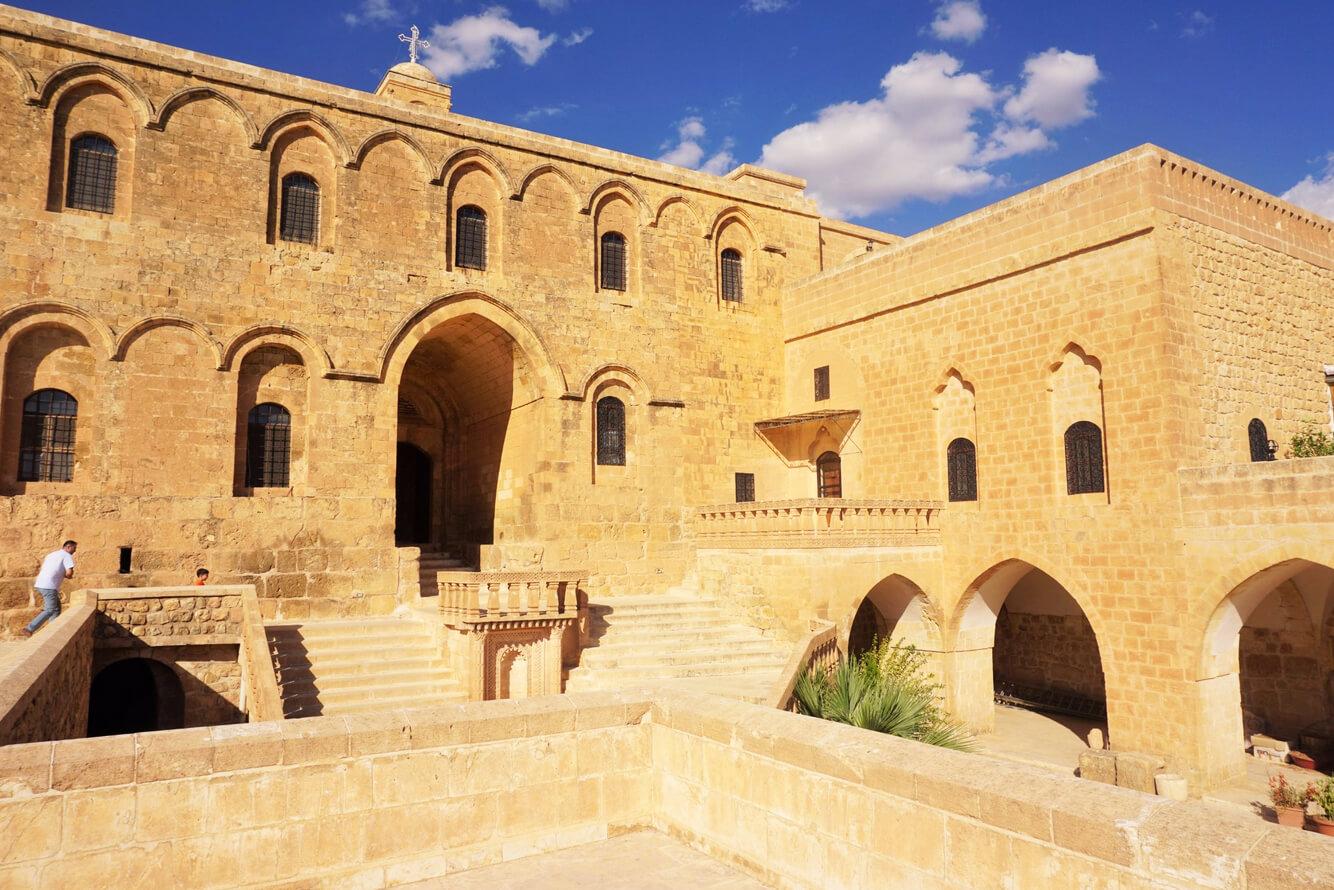 Монастырь Дейрюльзафаран