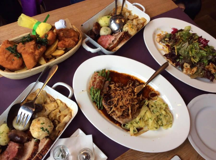 Ужин в Josef Linz
