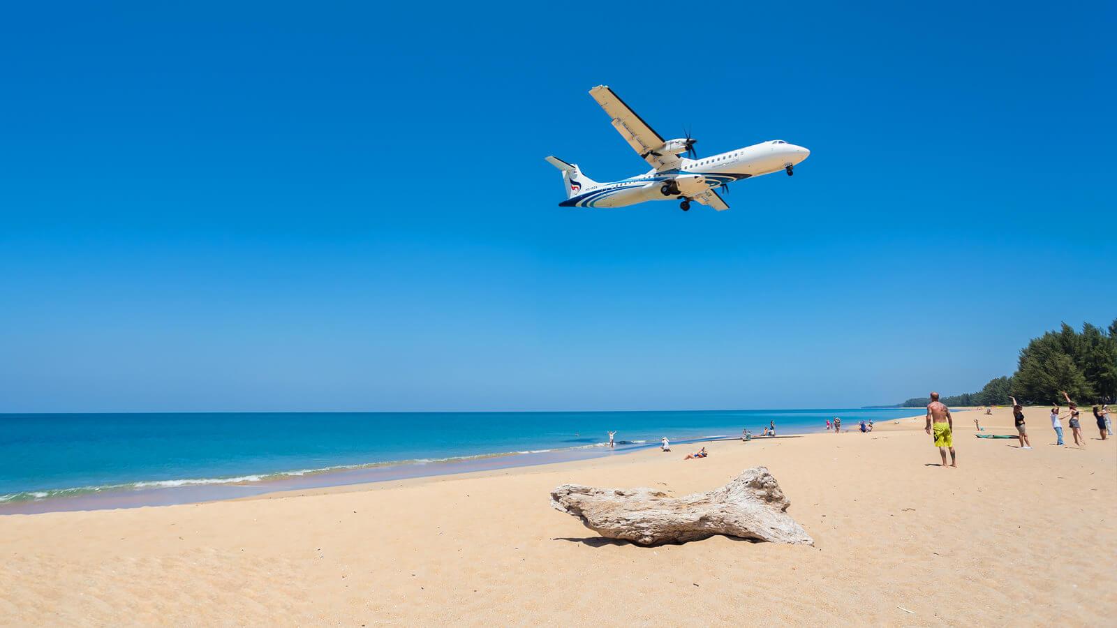 Пляж Май Кхао